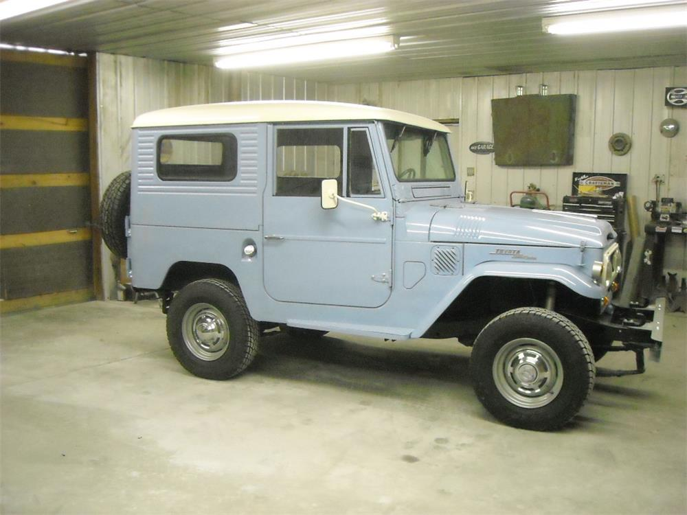 1966 TOYOTA LAND CRUISER FJ-40 SUV - Side Profile - 181745