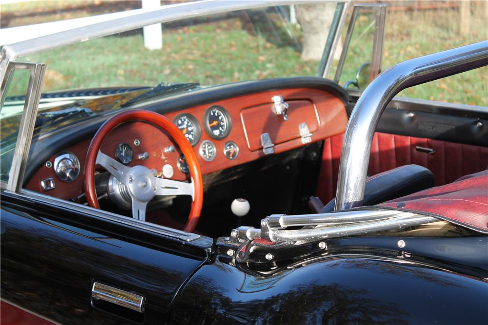 1965 AUSTIN-HEALEY ROADSTER RECREATION - Interior - 181767