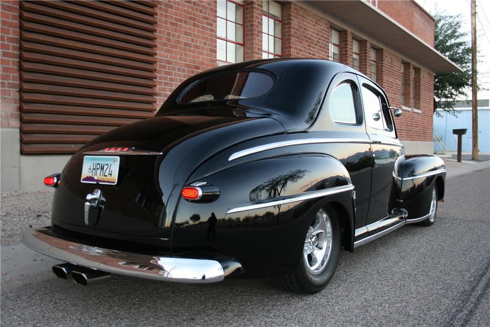 1948 FORD CUSTOM 2 DOOR COUPE - Rear 3/4 - 181792