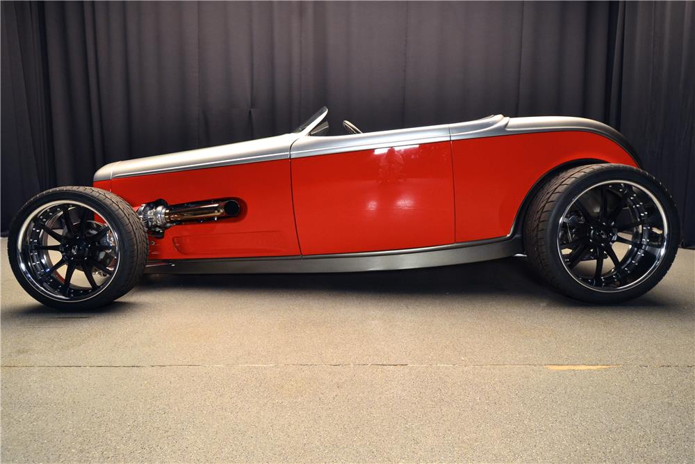1932 FORD CUSTOM ROADSTER - Side Profile - 181798