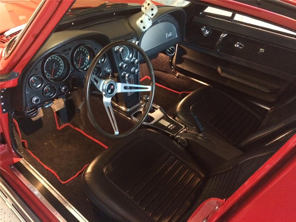 1967 CHEVROLET CORVETTE - Interior - 181808
