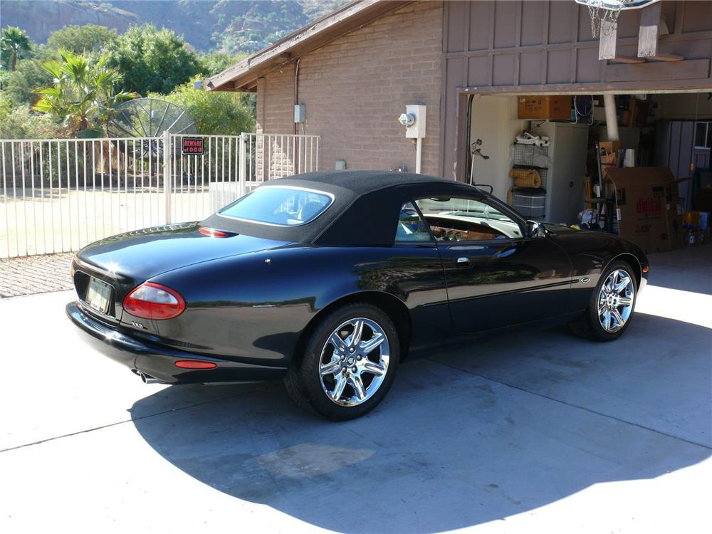 2000 jaguar xk8 convertible 181820. Black Bedroom Furniture Sets. Home Design Ideas