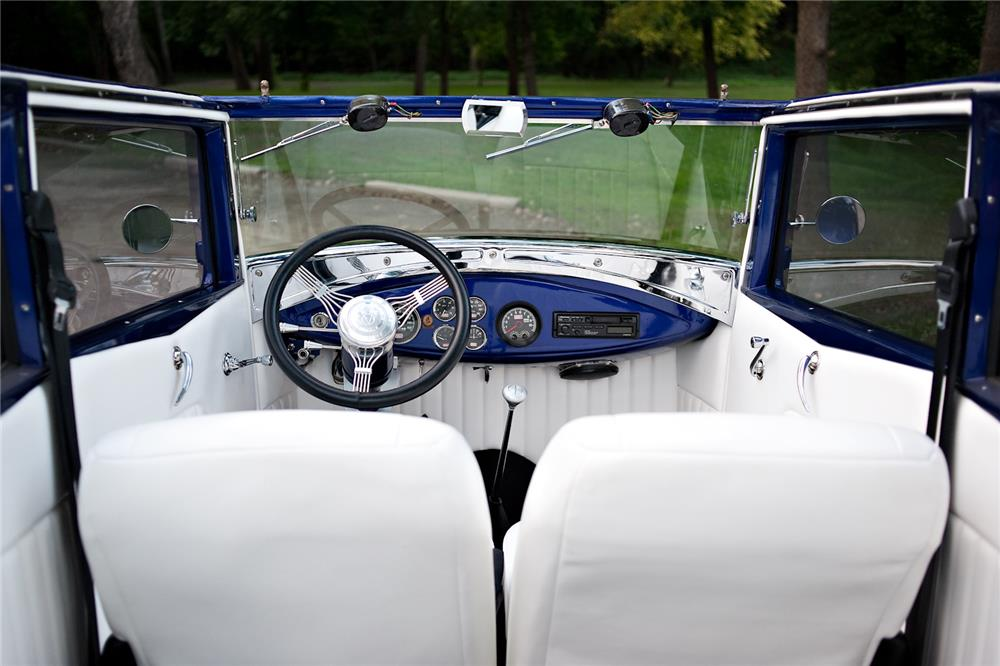 1931 FORD MODEL A 400 CUSTOM CONVERTIBLE SEDAN - Interior - 181829
