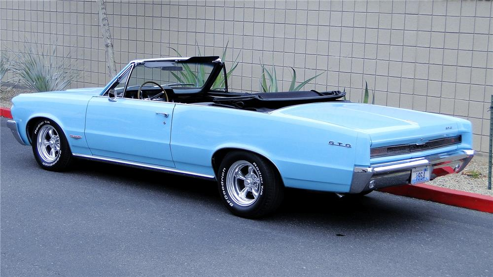 1964 PONTIAC LEMANS CUSTOM CONVERTIBLE - Rear 3/4 - 181876