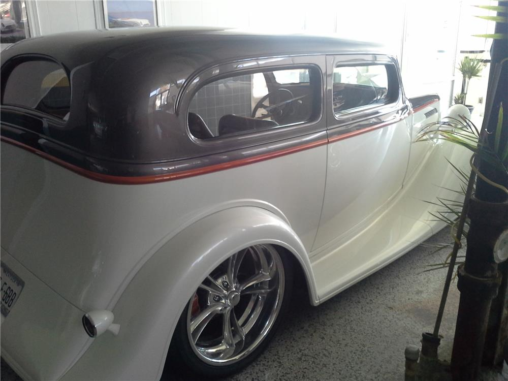 1933 Chevrolet Master Custom 2 Door Sedan 181877