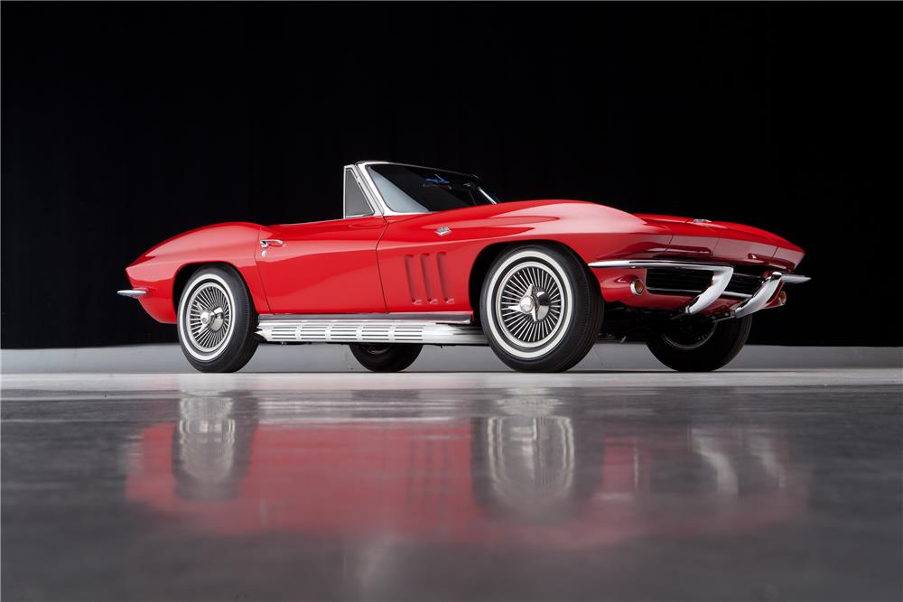 1965 CHEVROLET CORVETTE CONVERTIBLE - Front 3/4 - 182074
