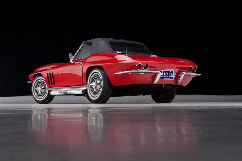 1965 CHEVROLET CORVETTE CONVERTIBLE - Rear 3/4 - 182074