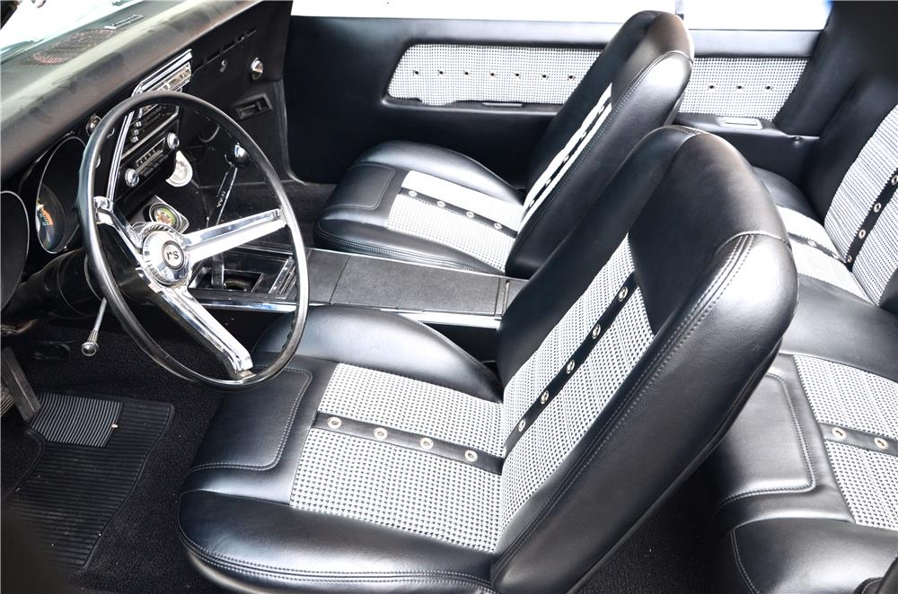 1967 CHEVROLET CAMARO CUSTOM CONVERTIBLE - Interior - 182092