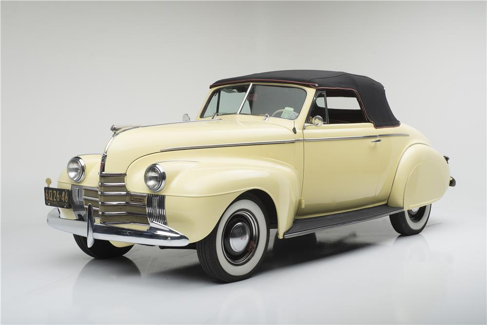 1940 OLDSMOBILE SERIES 60 CONVERTIBLE - Front 3/4 - 182096
