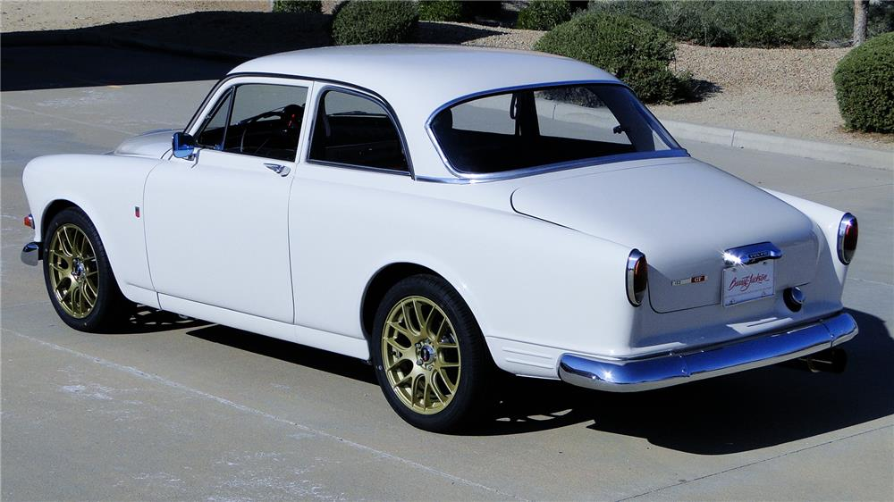 1966 VOLVO 122 COUPE - Rear 3/4 - 182113