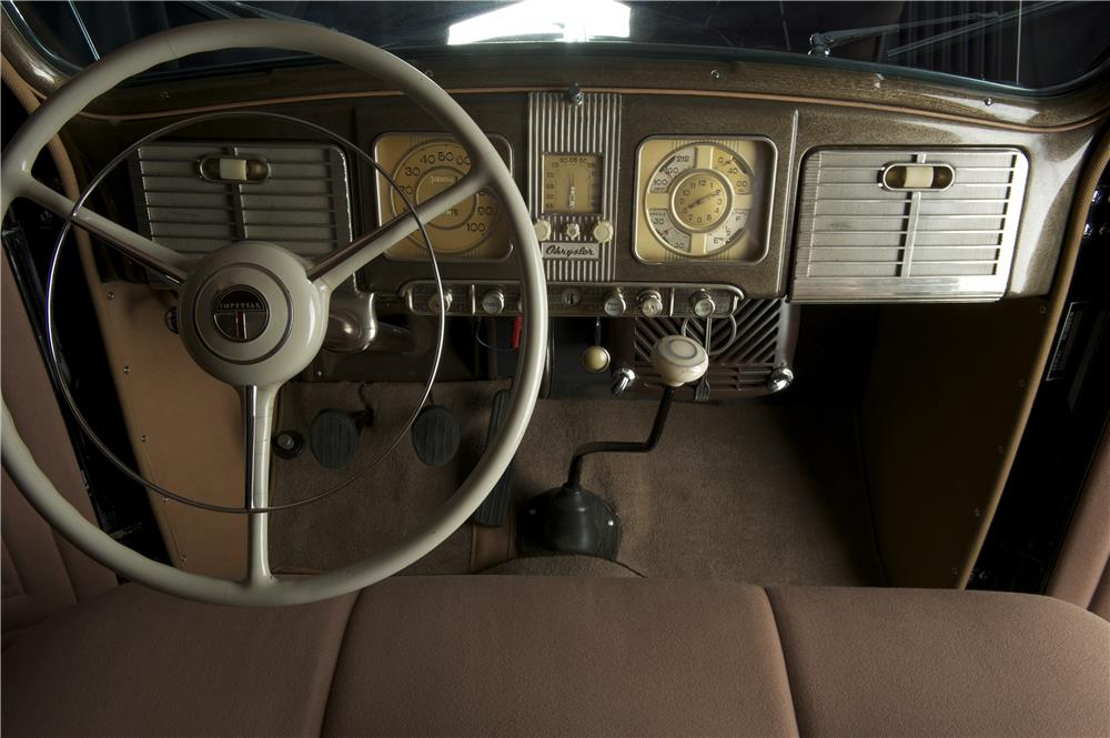 1938 CHRYSLER IMPERIAL TOURING SEDAN - Interior - 182126