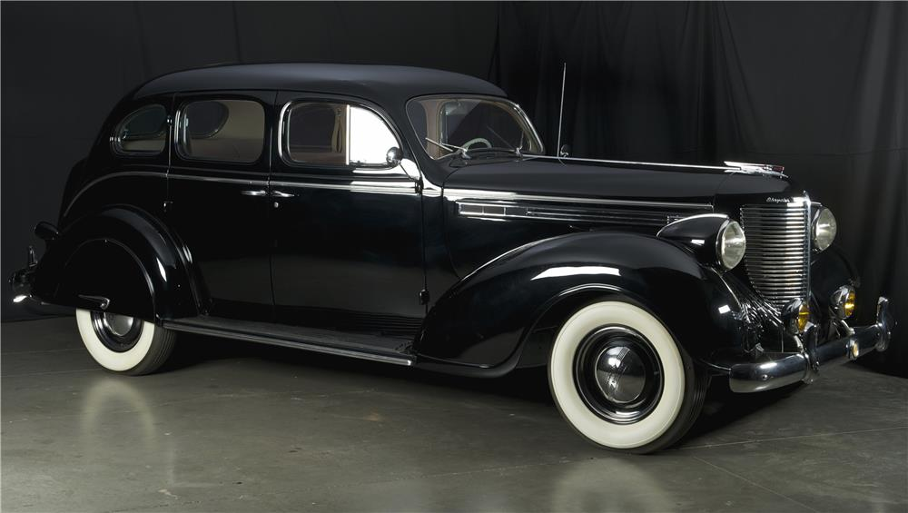 1938 CHRYSLER IMPERIAL TOURING SEDAN - Side Profile - 182126