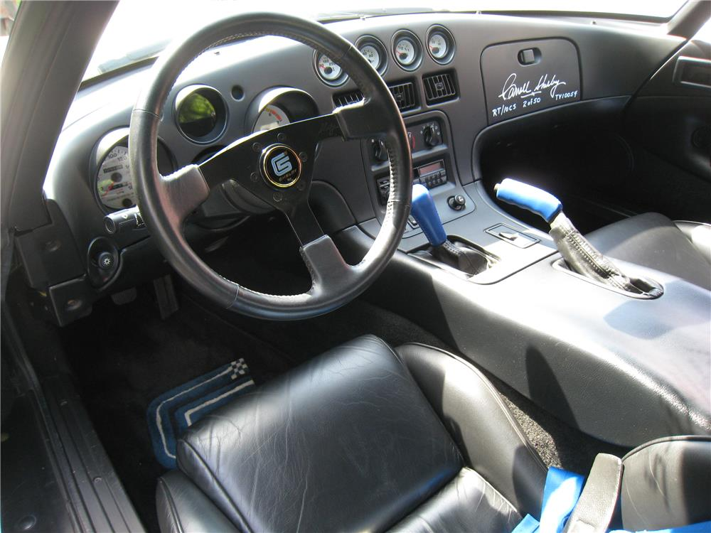 Interior: 1996 DODGE VIPER RT/10