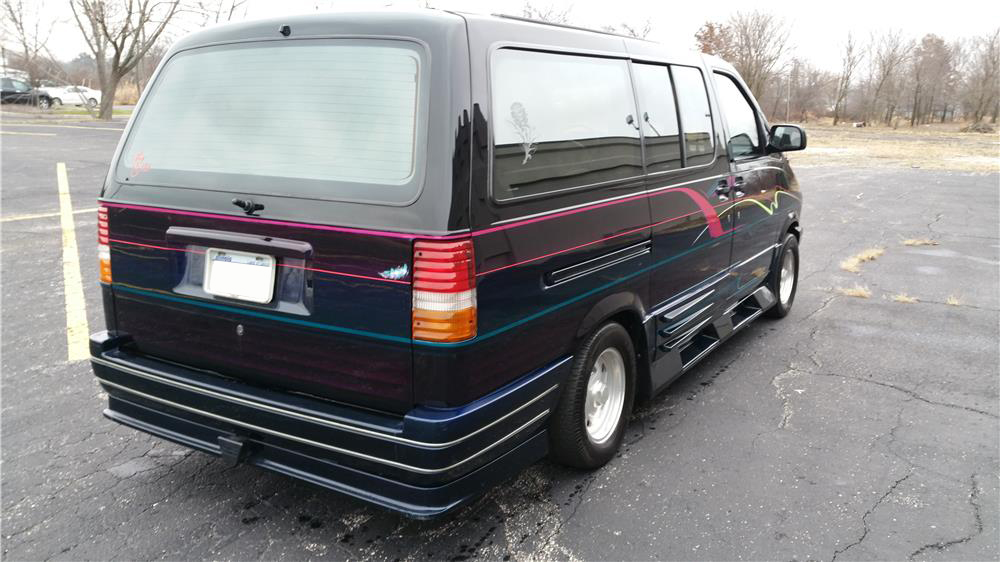 1989 FORD AERO STAR CUSTOM VAN - Rear 3/4 - 182135