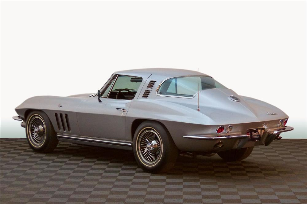 1965 CHEVROLET CORVETTE - Rear 3/4 - 182259