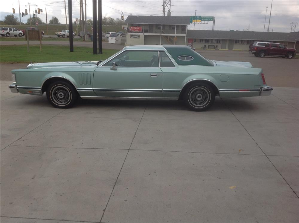 1977 LINCOLN CONTINENTAL MARK II - Side Profile - 182298