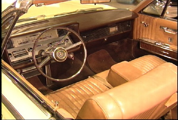 1967 LINCOLN CONTINENTAL CONVERTIBLE - Interior - 18231