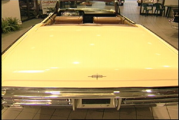 1967 LINCOLN CONTINENTAL CONVERTIBLE - Rear 3/4 - 18231