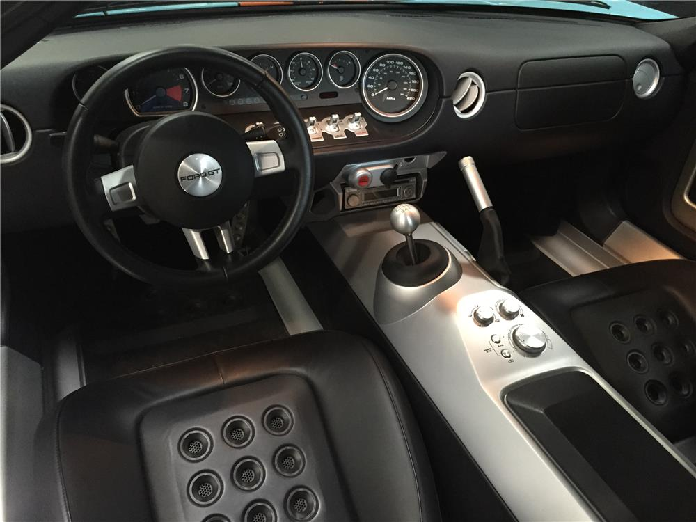 Interior: 2006 FORD GT HERITAGE EDITION