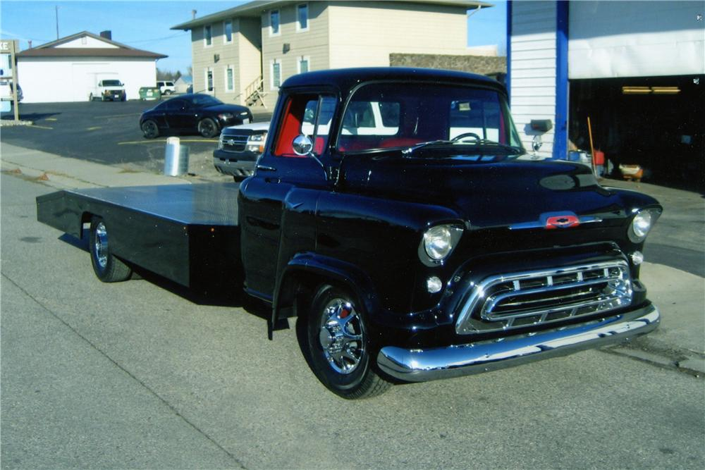 1957 CHEVROLET CUSTOM PICKUP - Front 3/4 - 182415