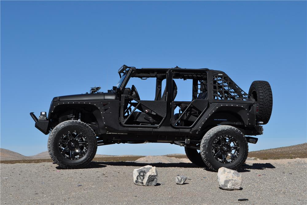 2013 JEEP WRANGLER UNLIMITED CUSTOM SUV - Side Profile - 182449