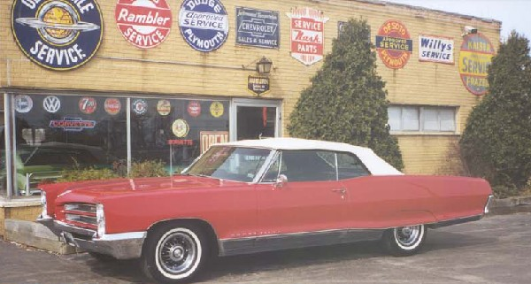 1966 PONTIAC BONNEVILLE UNKNOWN - Front 3/4 - 18245