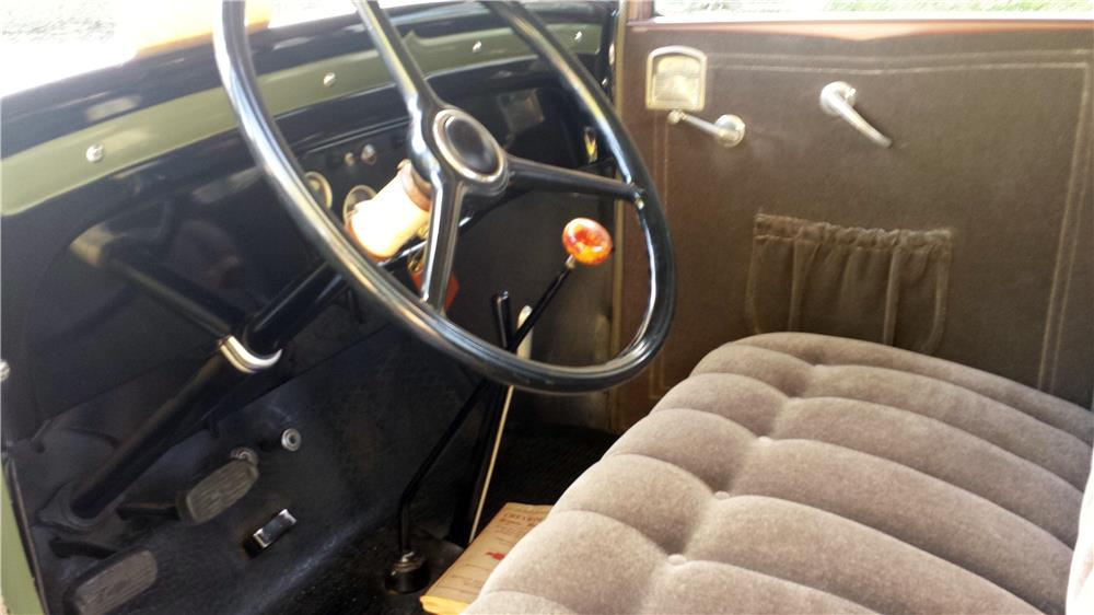 1931 CHEVROLET 5-WINDOW COUPE - Interior - 182457