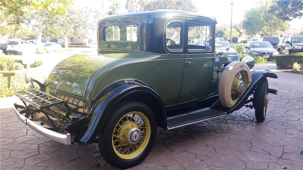 1931 CHEVROLET 5-WINDOW COUPE - Rear 3/4 - 182457