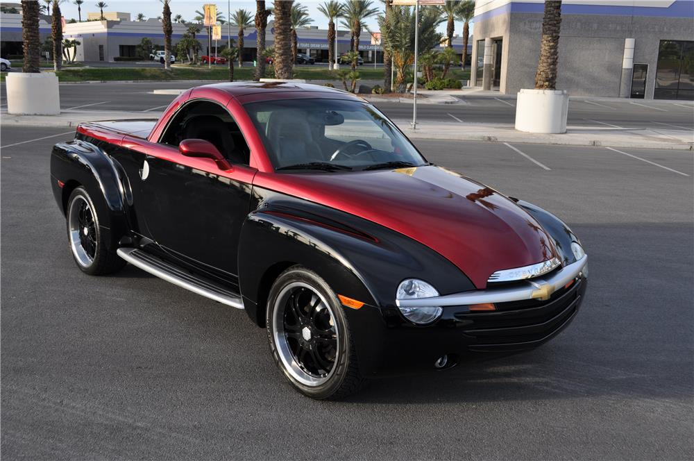 2003 CHEVROLET SSR CUSTOM PICKUP - Front 3/4 - 182460
