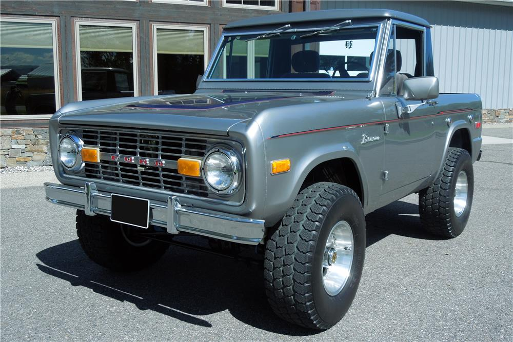 1975 FORD BRONCO CUSTOM SUV - Front 3/4 - 182462