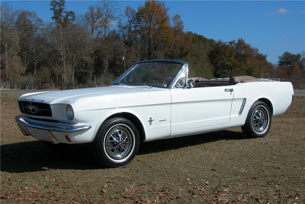 1965 FORD MUSTANG CONVERTIBLE - Front 3/4 - 182484
