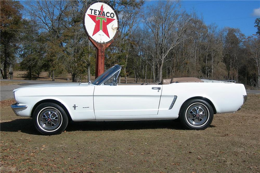 1965 FORD MUSTANG CONVERTIBLE - Side Profile - 182484