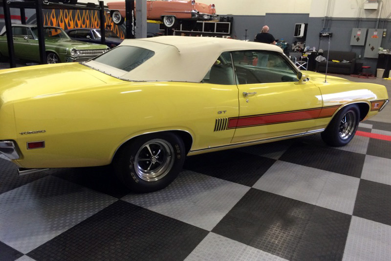 1970 FORD TORINO GT CONVERTIBLE - Side Profile - 182504
