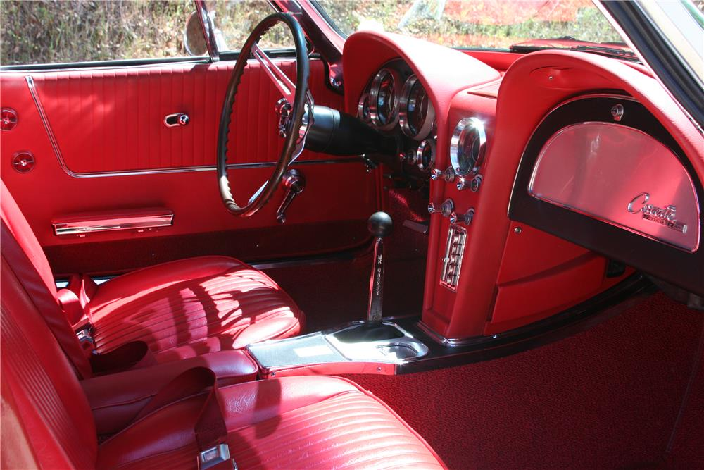 1964 CHEVROLET CORVETTE CONVERTIBLE - Interior - 182534