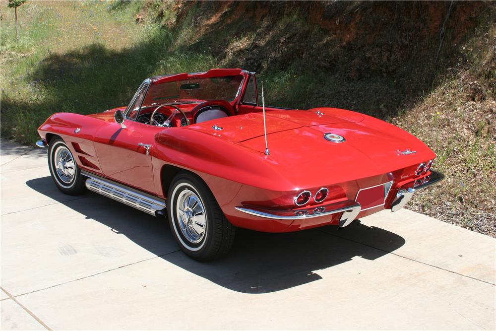 1964 CHEVROLET CORVETTE CONVERTIBLE - Rear 3/4 - 182534
