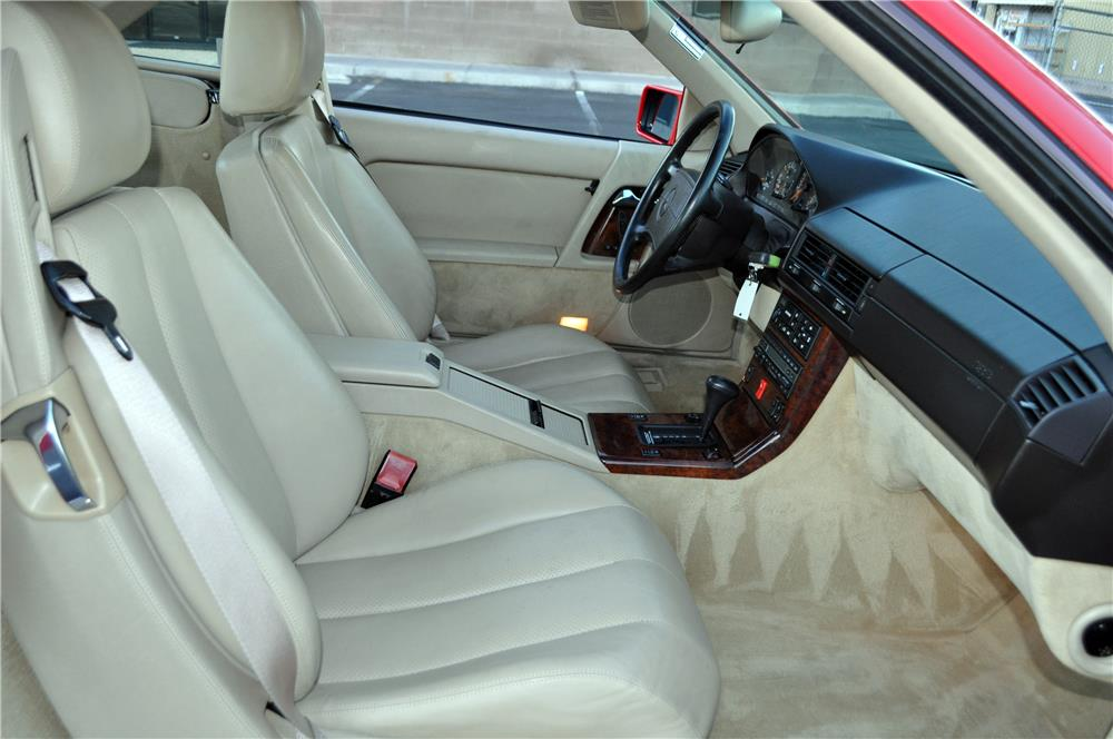 1992 MERCEDES-BENZ 500SL CONVERTIBLE - Interior - 182538