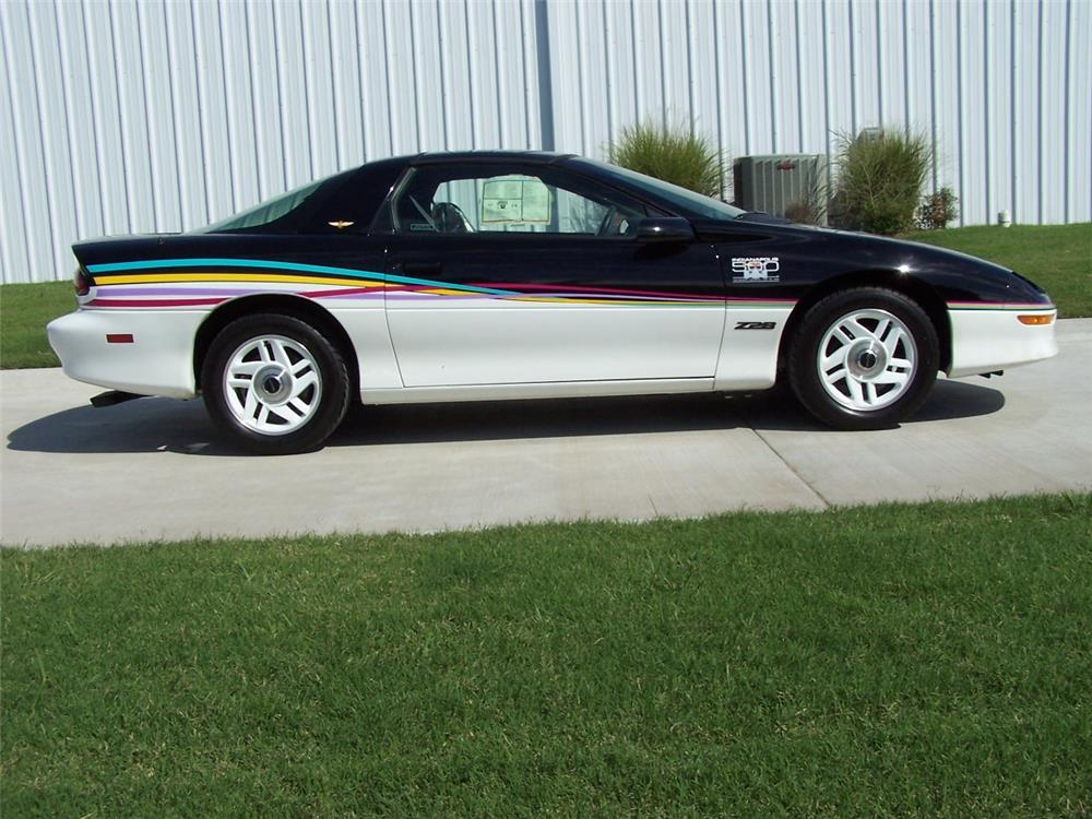 1993 CHEVROLET CAMARO Z/28 2 DOOR COUPE - Side Profile - 182542