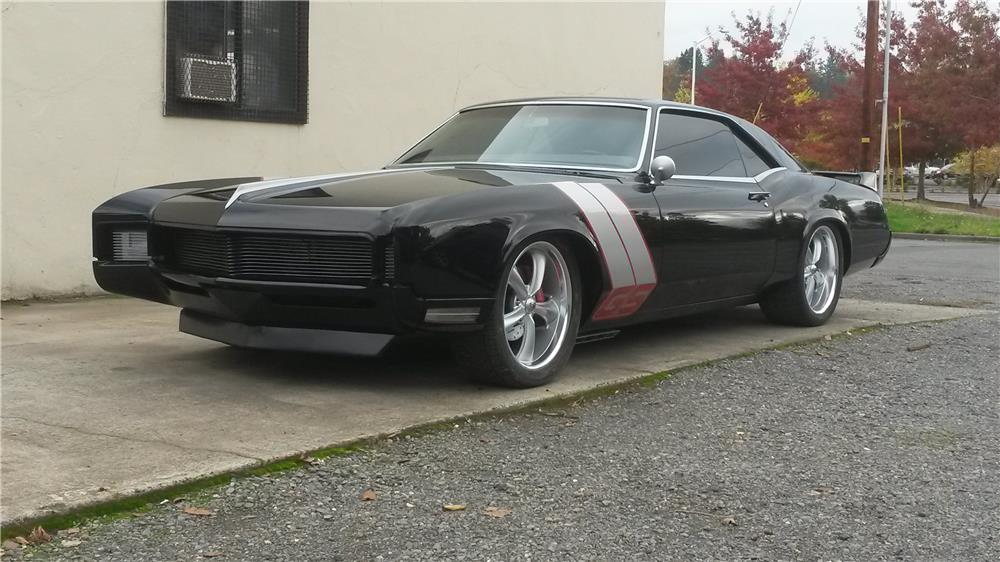 1967 BUICK RIVIERA CUSTOM 2 DOOR COUPE - Front 3/4 - 182555