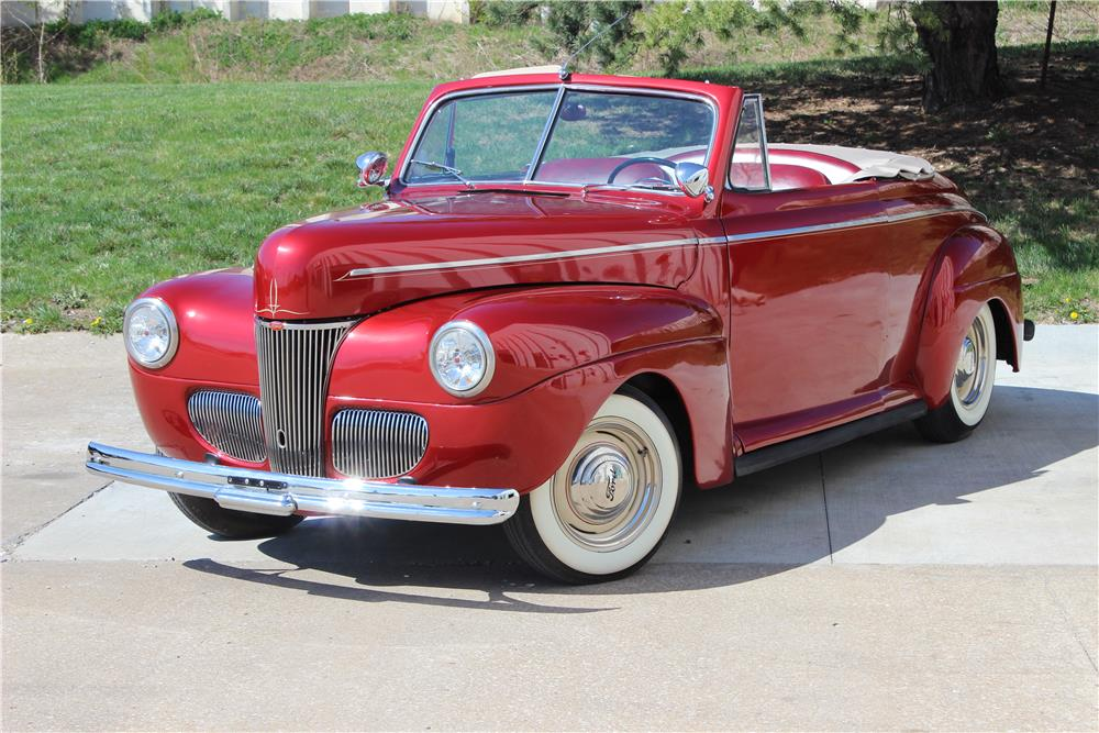 1941 FORD CUSTOM CONVERTIBLE - Front 3/4 - 182559