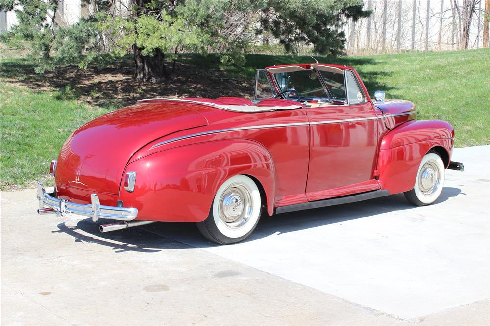 1941 FORD CUSTOM CONVERTIBLE - Rear 3/4 - 182559