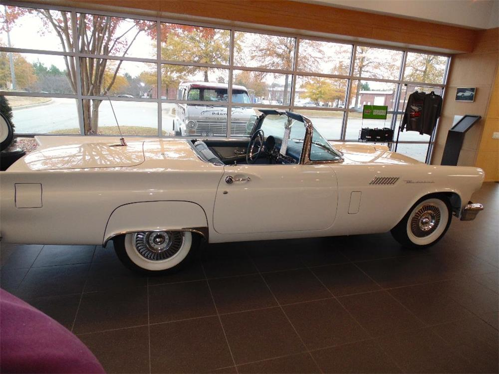 1957 FORD THUNDERBIRD CONVERTIBLE - Side Profile - 182598