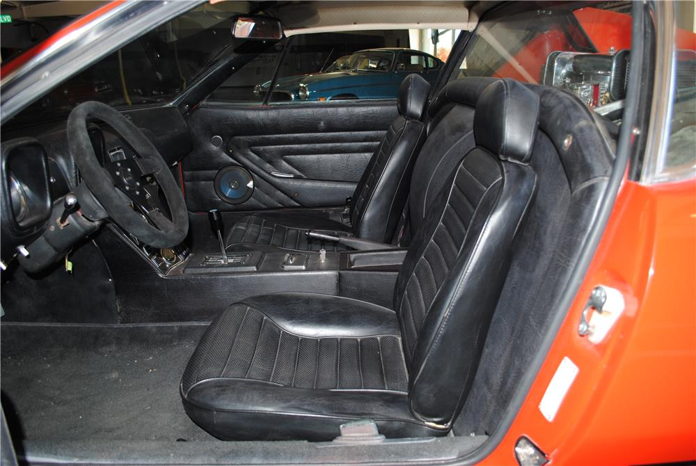 1972 PANTERA DE TOMASO 2 DOOR COUPE - Interior - 182604