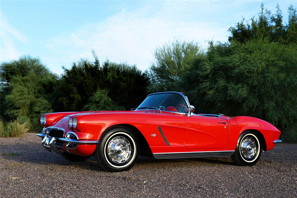 1962 CHEVROLET CORVETTE CONVERTIBLE - Front 3/4 - 182607