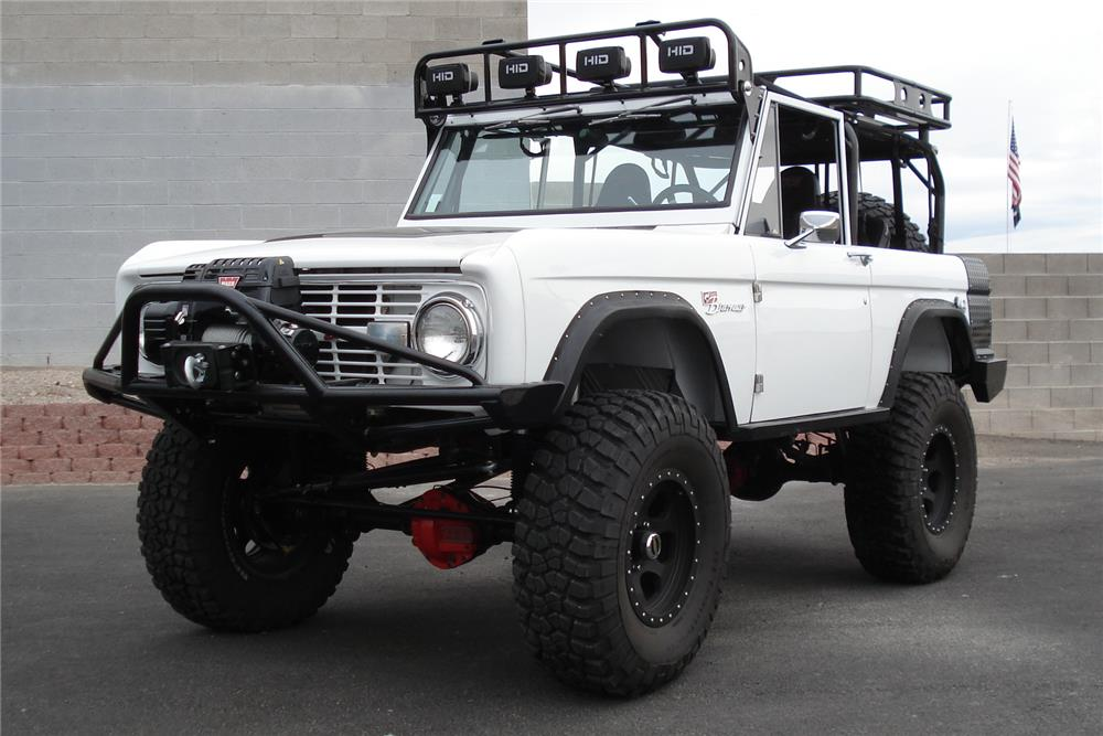 1974 FORD BRONCO CUSTOM SUV - Front 3/4 - 182613