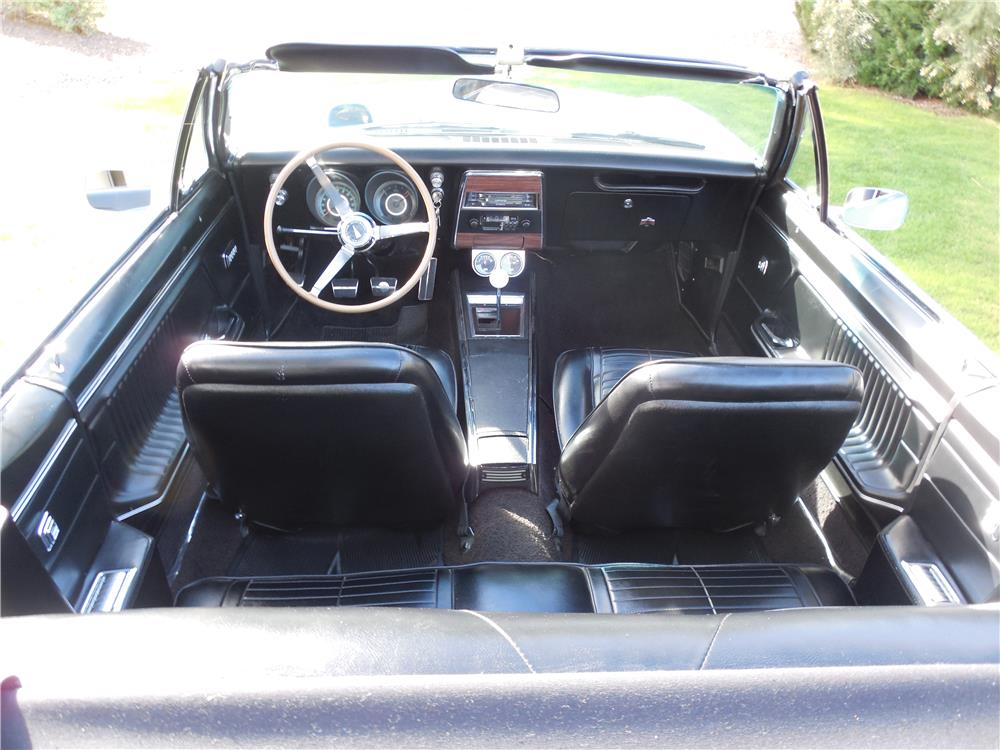 1967 PONTIAC FIREBIRD 400 CONVERTIBLE - Interior - 182617