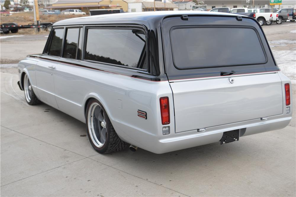 1970 CHEVROLET SUBURBAN CUSTOM SUV - Rear 3/4 - 182638