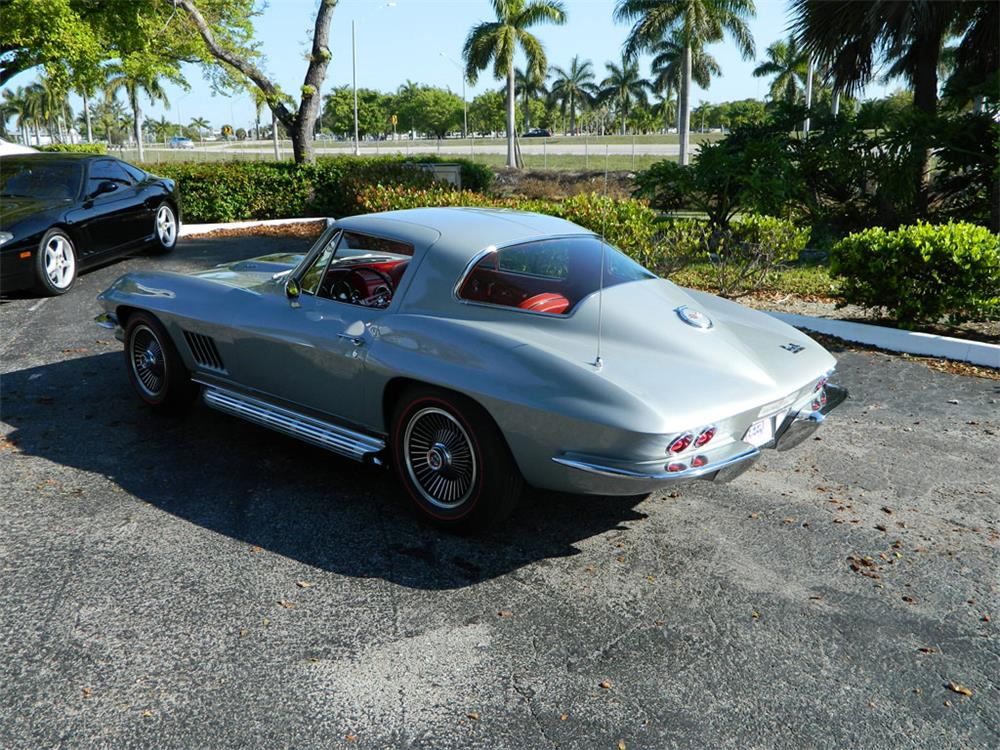 1967 CHEVROLET CORVETTE COUPE - Rear 3/4 - 182656