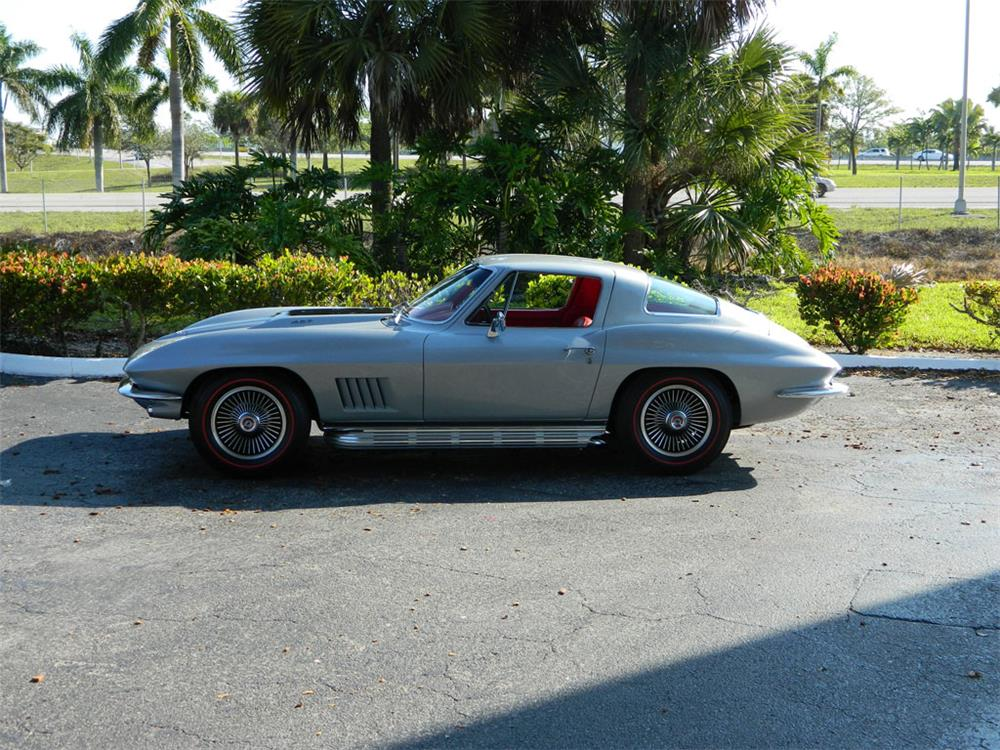 1967 CHEVROLET CORVETTE COUPE - Side Profile - 182656