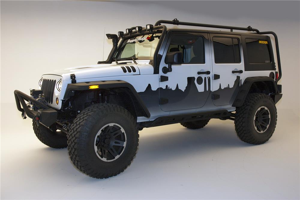 2015 JEEP WRANGLER CUSTOM SUV - Side Profile - 182682
