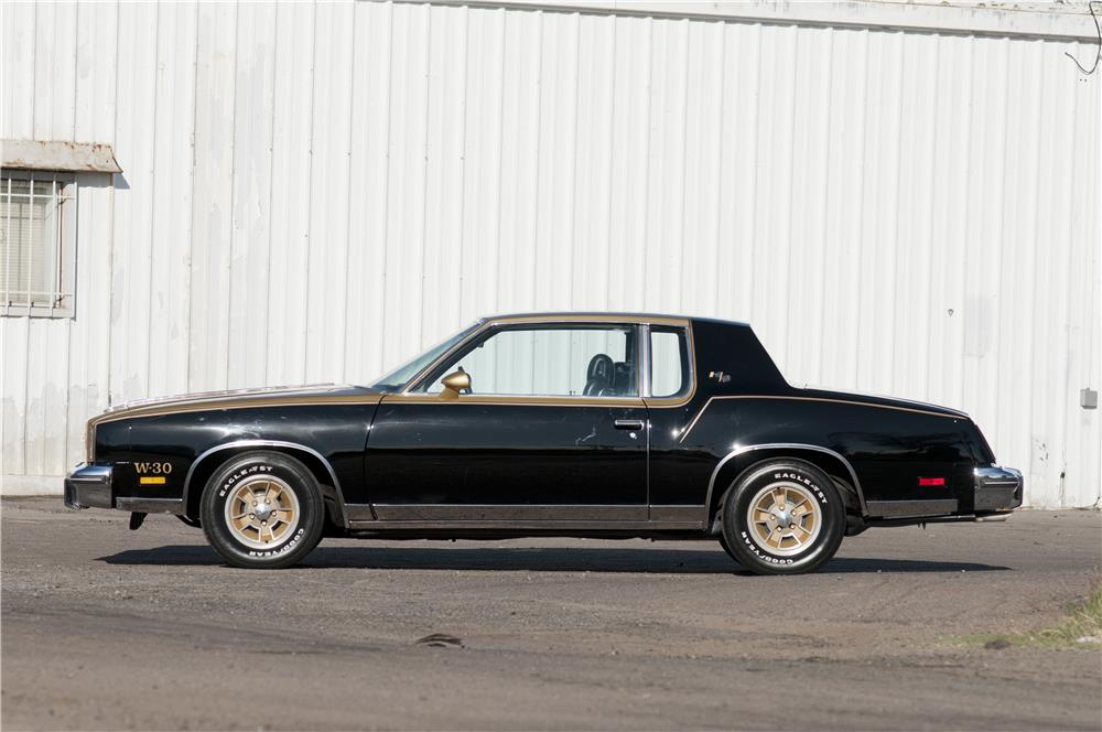 1979 OLDSMOBILE CUTLASS HURST COUPE - Side Profile - 182686
